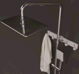 Misturador termostático fixado na parede do chuveiro com plataforma grande