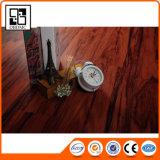 Revêtement de sol de /PVC de vinyle de tuile de luxe de planches/bois en plastique gravé en relief