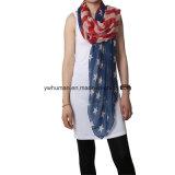 Femmes blanches et écharpe bleue d'indicateur américain longue