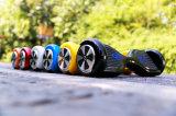 Patín eléctrico de la vespa de dos ruedas del pedal de la tarjeta del equilibrio elegante negro del uno mismo