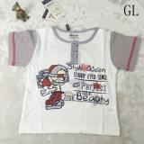 O terno o mais novo da forma da roupa das crianças para o menino pequeno