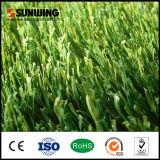 低価格50mm PEフットボールの運動場のための総合的な人工的な草のマット