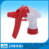 Roter und weißer starker Triggerplastiksprüher für Plastikflasche