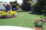 Erba artificiale del giardino riccio & verticale