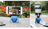 Mini Smart Selfie Robot Portable Wireless Bluetooth Selfie Robot pour des smartphones