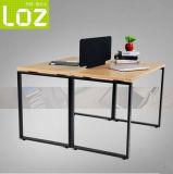 Base de aço moderna da tabela com a caixa do fio para o caixeiro de escritório Workstaiton