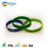 Braccialetto su ordinazione poco costoso promozionale del silicone, braccialetto di fascino del silicone