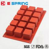 15 Cavities Square Cube Shape 4 * 4 * 4cm Silicone Petite gâteau Molde Outils de moulage de savon Bac à cubes de glace pour cuisine de bricolage