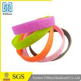 Preiswerter fördernder kundenspezifischer Firmenzeichen-SilikonWristband