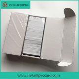3 imprimibles blancos encima de tarjeta del PVC de la etiqueta dominante