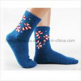 Populär für die Markt-Kind-gemütlichen flockigen Mannschafts-Socken