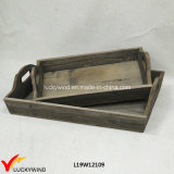 Le plus défunt plateau en bois rectangulaire rustique fabriqué à la main de portion