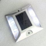 Reflectante ojos de gato solar de aluminio LED Camino Stud