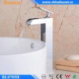 Beelee Bl0705hの現代的な真鍮の滝の浴室の混合弁