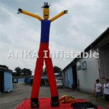 Bekanntmachen des aufblasbaren Luft-Tänzers mit zwei Beinen