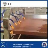 Deux chaîne de production de l'extrudeuse WPC