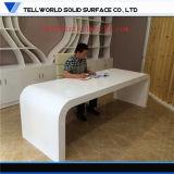 イタリアの現代設計事務所の家具の現代的な管理の机商業CEO LEDエグゼクティブ机大きい6フィートの