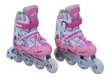 Pattini registrabili pattinare di rullo dell'adolescente