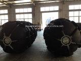 Defensa de goma neumática con los neumáticos y encadenamientos con buen precio