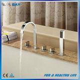 Misturador difundido do Faucet de banheira da precipitação 3PCS do banheiro com chuveiro da mão
