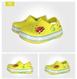 Diodo emissor de luz recarregável unisex das sapatas dos miúdos das sapatas das sandálias do verão do estilo novo