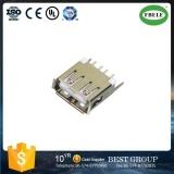 uma Matriz-Linha tipo soquete do conetor do USB