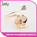 Просто кольцо золота конструкции кольца золота перста повелительниц