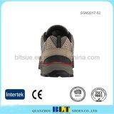 上部通気性のナイロン網は適当な人の靴をしっかり止める
