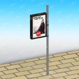 Im Freien der Straßen-LED Anschlagtafel Lampen-Markierungsfahnen-Pole-Lightbox Advertis