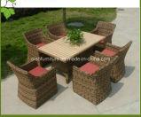 Tabela e cadeira de vime do Rattan do jardim do hotel ao ar livre luxuoso da mobília