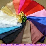 Satin du polyester 100 pour le vêtement rayant le tissu bon marché en gros de satin de polyester