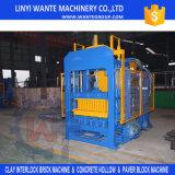 Blocchetto vuoto concreto del paracarro del lastricatore del cemento automatico pieno Qt10-15 che fa macchina