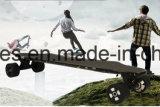 Het nieuwe Elektrische Skateboard van de Motor van de Vezel van de Koolstof van het Ontwerp Dubbele