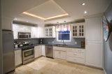 台所家具の純木の食器棚