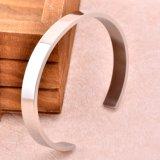 Armband 50mm van het roestvrij staal de Hoge Poolse Armband van de Vrouwen van de Armband van het Manchet Spatie Gepersonaliseerde (IJB0509)