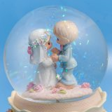 Глобус снежка венчания смолаы высокого качества с светом СИД