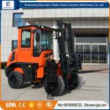 よいエンジンを搭載する低価格の中国3tonのフォークリフト