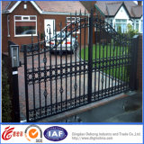 粉の上塗を施してある優雅な錬鉄の安全ゲート