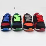 Ботинки впрыски малышей ботинок спорта детей с волшебным краном (snc-260023)