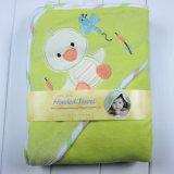 El terciopelo del bebé Swaddle el poncho encapuchado combinado de la toalla
