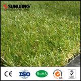 Preiswerter im Freiengarten-künstlicher Gras-Teppich mit dem Feuer beständig