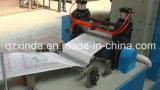 Máquina de papel de grabación en relieve plegable cuadrada de tejido de la servilleta