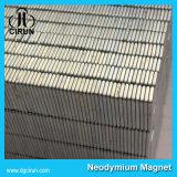 Lo zinco ha placcato il blocchetto su ordinazione di formato a magnete permanente