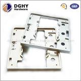 高精度アルミニウムまたは真鍮かステンレス鋼の/Copper /Alloyの機械装置CNCの製粉の部品の中国製工場
