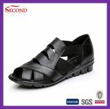 Sandali poco costosi del cuoio del coccodrillo per gli uomini e le donne