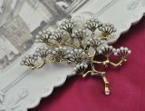 VAGULA Gold überzogene Formgingko-Perlen-Brosche