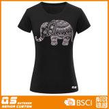 Maglietta adatta di modo delle donne