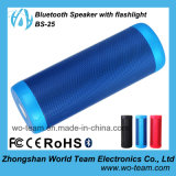 Haut-parleur imperméable à l'eau de Bluetooth avec la lampe-torche intense extérieure