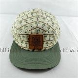 新しいデザインストラップの背部浮彫りにされた革パッチが付いている平らな縁5のパネルの帽子