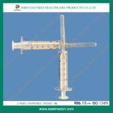 Due parti di uso sterile medico a gettare della siringa in ospedale